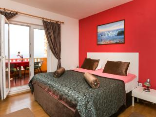 Villa Sunset Apartment 3 - Plat vacation rentals