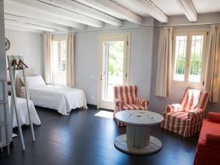 Agriturismo La Madoneta - Appartamento La Legnaia - San Giorgio in Bosco vacation rentals