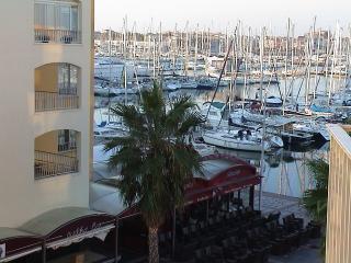 STUDIO PISCINE AU CAP D'AGDE - Cap-d'Agde vacation rentals