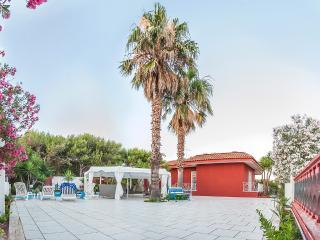 Villa Gisella a 70mt dal mare Porto Cesareo - Punta Prosciutto vacation rentals