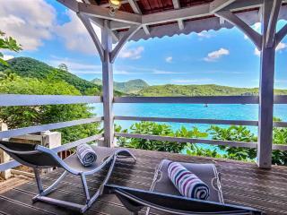 Villa Calypso, 3 Chambres les pieds dans l'eau - Les Anses d'Arlet vacation rentals