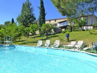 Cozy 2 bedroom Pierrevert House with Internet Access - Pierrevert vacation rentals