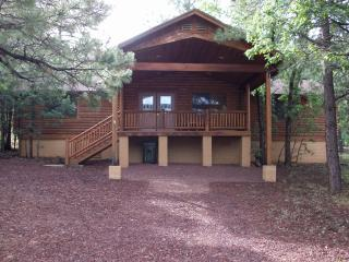 Log Cabin Retreat Pinetop Lakes Country Club - Pinetop vacation rentals