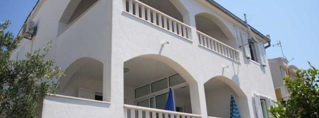house - 00212OKRD  A1(2+2) - Okrug Donji - Okrug Donji - rentals