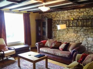 CHURCH COTTAGE, detached cottage, multi-fuel stove, WiFi, near Hexham, Ref 24621 - Northumberland National Park vacation rentals
