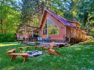 Mysty Mountain Cabins, Lodges and Chalets - Gold Bar vacation rentals