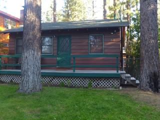 Chalet Dubois-hot tub, wifi,pets are welcome! - Big Bear City vacation rentals