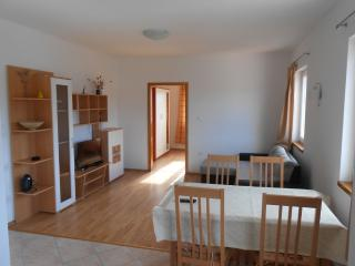 Beautiful 1 bedroom Tisno Apartment with Internet Access - Tisno vacation rentals