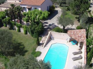 Nice Gite with Internet Access and Mountain Views - Sablet vacation rentals
