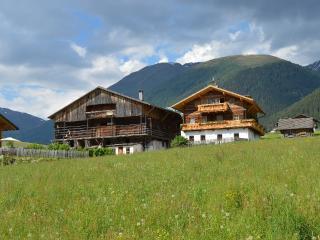 Feldererhof - Appartment Hochstein - Valle di Casies vacation rentals