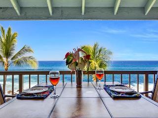 Kona Reef D33 Ocean Front At It's Best! Walk to Kailua Kona Town! - Kailua-Kona vacation rentals