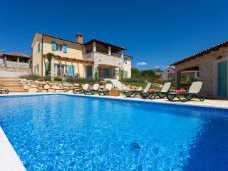 Villa in Istrien near Porec  with Pool - Sveti Lovrec vacation rentals