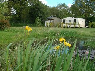 Location caravane sur terrain prive - Louargat vacation rentals