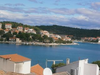 Bright 1 bedroom Apartment in Tisno with Television - Tisno vacation rentals