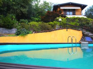 Casa con giardino e piscina a pochi passi dal lago - Fondotoce vacation rentals