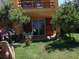 Nice Townhouse with Internet Access and Garden - Isola Rossa vacation rentals