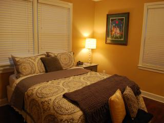 Beautiful Condo with Internet Access and Television - Jacksonville vacation rentals
