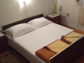 Bright 1 bedroom Vacation Rental in Stari Grad - Stari Grad vacation rentals