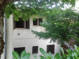 Cozy 2 bedroom Montecreto Townhouse with Garden - Montecreto vacation rentals
