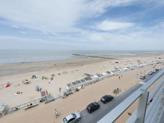 Nice Condo with Dishwasher and Central Heating - Ostende vacation rentals