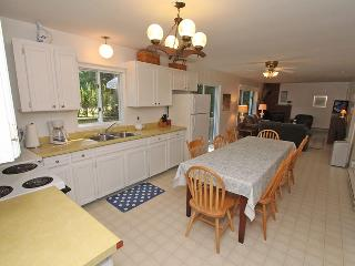 Comfortable 3 bedroom Point Clark Cottage with Deck - Point Clark vacation rentals
