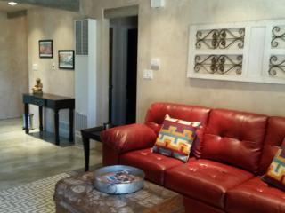 Affordable Luxury & Convenience-Walk to Plaza/Shop - Santa Fe vacation rentals