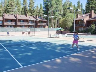 Great Deal!! Book 4 Nights Get 3 Free @North Tahoe - Incline Village vacation rentals