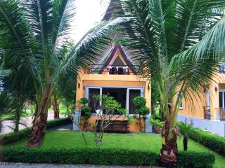 Luxury Beachfront Villa, 6 persons - Ko Chang Tai vacation rentals