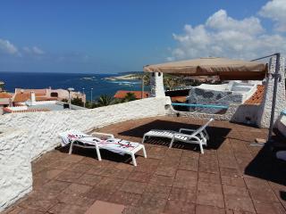 Villa Marta sul mare, con terrazza panoramica - Oristano vacation rentals
