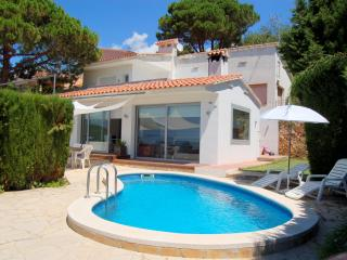 Bright 3 bedroom Lloret de Mar Villa with Internet Access - Lloret de Mar vacation rentals