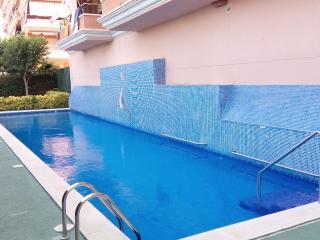 Apartment with 4 bedrooms,second street to the sea - Malgrat de Mar vacation rentals