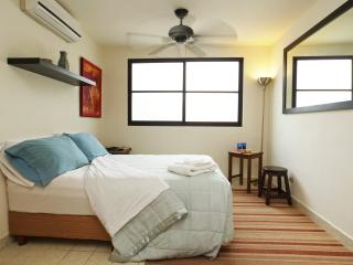 Perfect Studio with Internet Access and A/C - Cancun vacation rentals