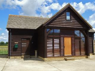 The Cotswold Manor Barn - Hot Tub and Games Barn - Oxford vacation rentals