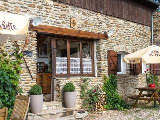 Lovely Chamborigaud vacation Apartment with Shared Outdoor Pool - Chamborigaud vacation rentals
