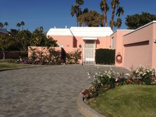 Pool-side Condo retreat in fabulous Marrakesh CC - Palm Desert vacation rentals