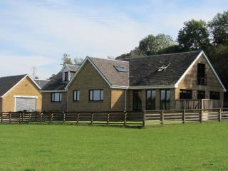 Countryside room 10mins from Glasgow Airport - Bridge of Weir vacation rentals