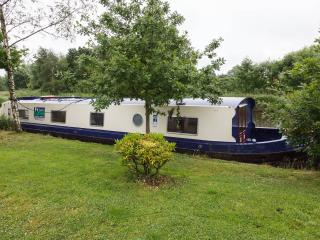 9 Berth Luxury Wide Beam Canal Boat - Burnley vacation rentals