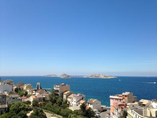 Waterfront Beautiful Views - Marseille vacation rentals
