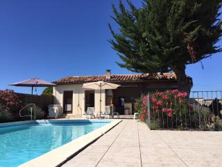 Pech de Jordy - gite piscine/pool Midi Pyrenees - Durfort-Lacapelette vacation rentals
