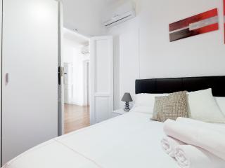 APARTMENT TOURIST 15 MADRID CENTER - Madrid vacation rentals