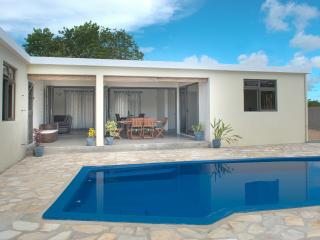 A Winner New Villa Rosa with Pool Close to Beach - Pereybere vacation rentals