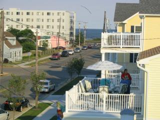 Nice Townhouse with Internet Access and Grill - North Wildwood vacation rentals