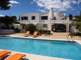 BEAUTIFUL CHARMING VILLA 10 mins WALK FROM MORAIRA - Teulada vacation rentals