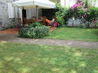 Ameglia-Bocca di Magra appartamento giardino - Fiumaretta vacation rentals