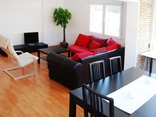 Gran apartamento en la playa con parking, AC y Internet.  MalagadeVacaciones - Malaga vacation rentals