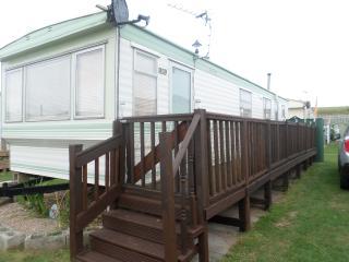 Caravan Sealands Ingoldmells 2 Bedrooms Sleeps 6 - Ingoldmells vacation rentals