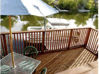 Perfect 2 bedroom Clearlake Oaks House with Deck - Clearlake Oaks vacation rentals