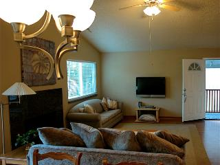 2 bedroom House with Deck in Clearlake Oaks - Clearlake Oaks vacation rentals