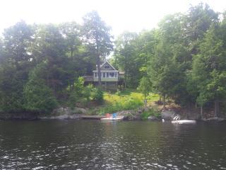 Beautiful Lake Manitouwabing Cottage in Mckellar - McKellar vacation rentals