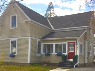 The Riverview Retreat in The City - Fredericton vacation rentals